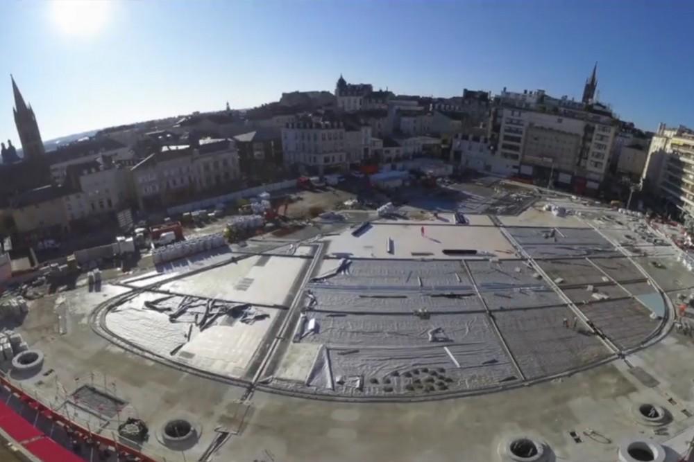 Retour en vidéo sur le chantier, une nouvelle place se dessine !