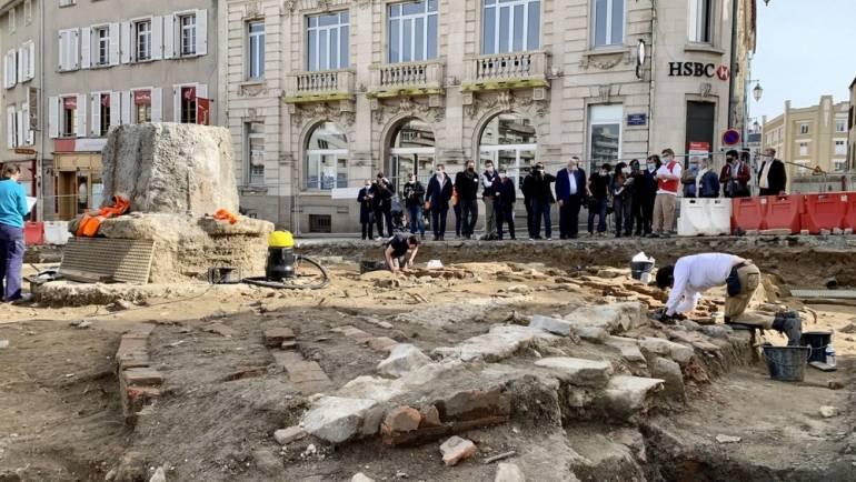 Des fouilles sur la place Fournier